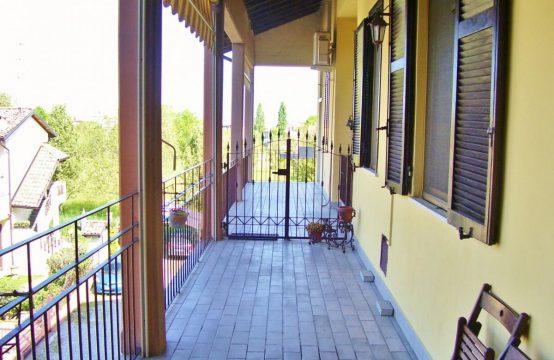 4 locali 150 mq + sottotetto + box Piazza s. Maria della Visitazione , Bottanuco – (BG)