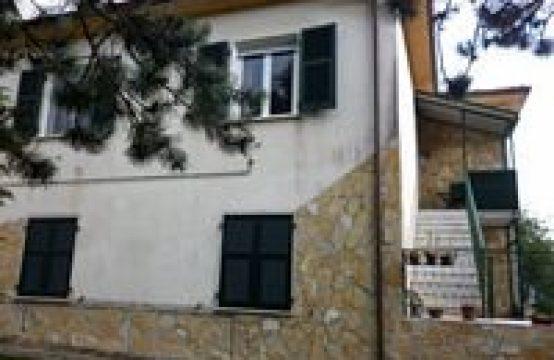 Appartamento in Liguria a 25km dalle 5 Terre e dal mare Campo Picchiara , Rocchetta di Vara – (SP)