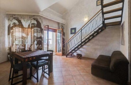 Appartamento in residence su due piani con piscina stagionale Via Sterpeto, Marina di Cerveteri – (RM)
