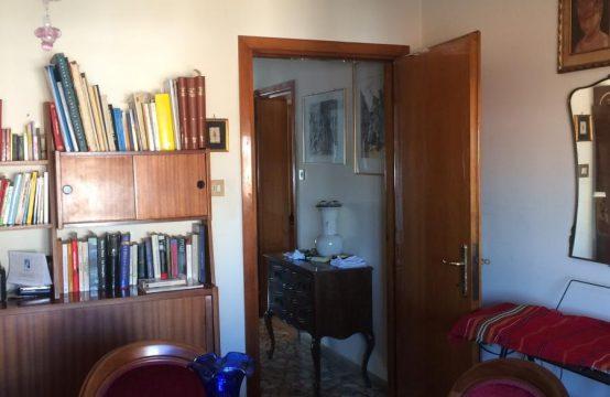 Luminoso tricamere Padova Madonna Pellegrina Via Tre Garofani, Padova – (PD)