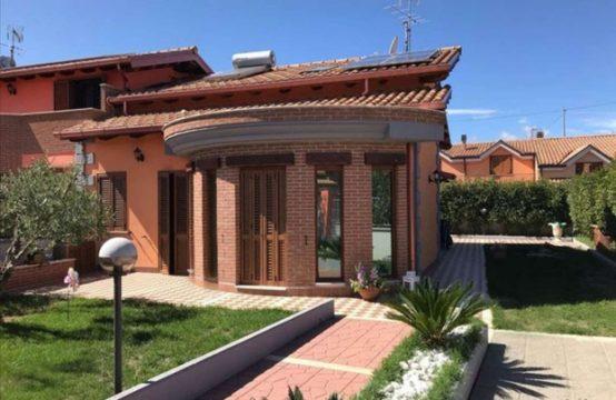 Villa prestigiosa Artena Via Velletri , Artena – (RM)