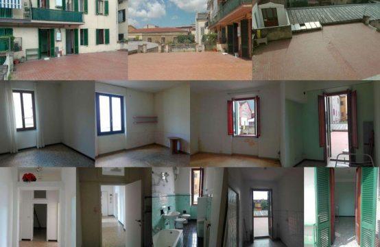 Appartamento unico Arezzo 4 vani 106 mq + terrazzo 110 mq Via Isonzo, Arezzo – (AR)