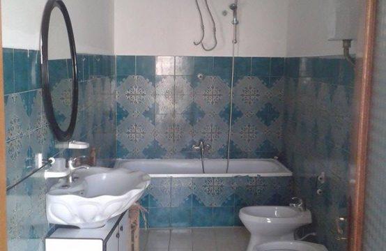 Vendo stabile composto da 2 appartamenti indipendenti Via Vellaria, Falciano del Massico – (CE)