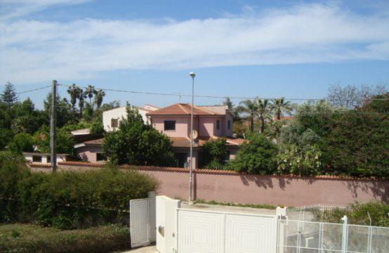 Villa tra mare e verde Via del Pellicano, Siracusa – (SR)