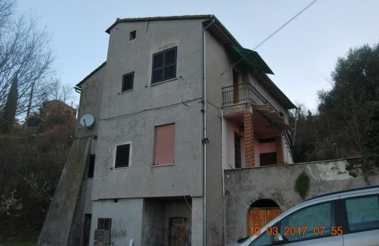 Casa indipendente Strada di Piccarello, Gualdo – (TR)