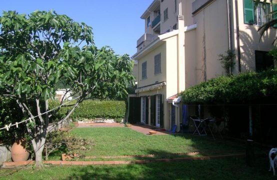 Albissola Marina, prima collina, porzione di casa semi indipendente vista mare con grande giardino Via Collette , Albissola Marina – (SV)