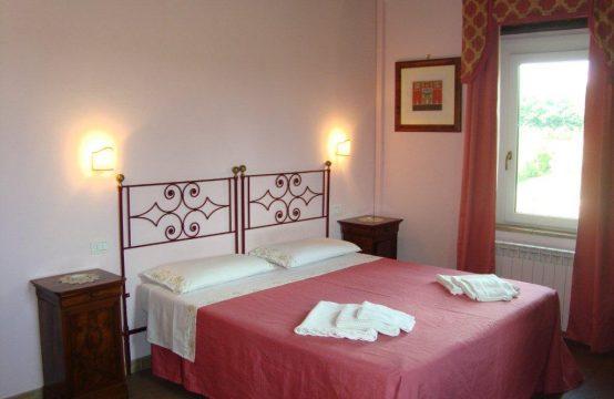 Casale con piscina 10min Silvestrini trilocale arredato 74mq Strada Settevalli , Perugia – (PG)