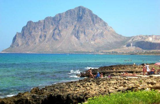 Sicilia enorme terreno in riva al mare ideale x campeggio agricampeggio lungomare, Valderice – (TP)