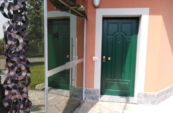 Trilocale in villa su unico piano, con giardino privato Caduti del lavoro, Bagnolo Cremasco – (CR)