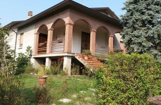 Casa Indipendente con Giardino Privato
